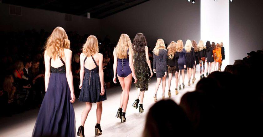 La estrella del fútbol Megan Rapinoe protagoniza su primera campaña de moda de lujo